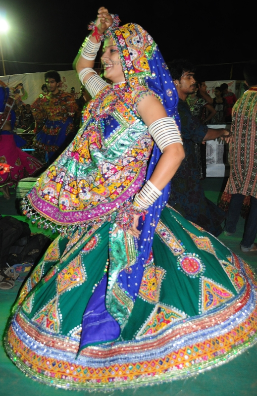 Girls playing Garba