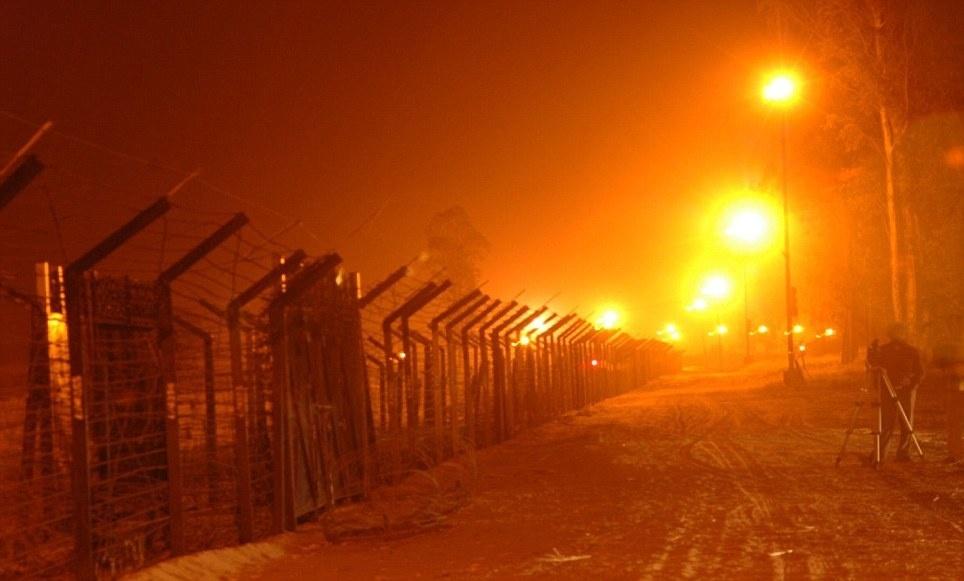 india pakistan border night
